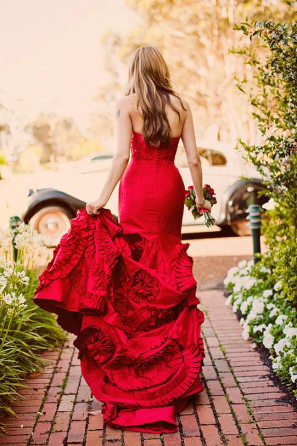 Bridal outfit in red for that special day 13