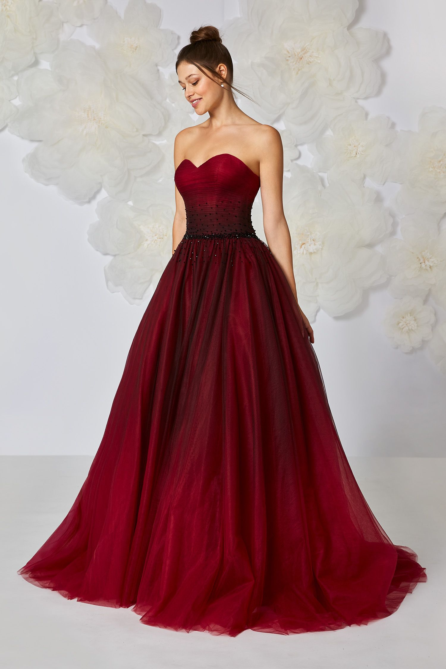 Bridal outfit in red for that special day 5